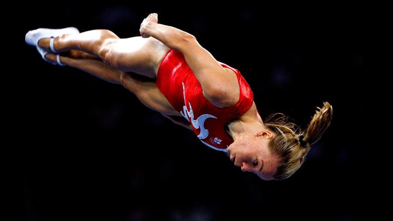 Karen Cockburn pendant l'exécution d'un saut