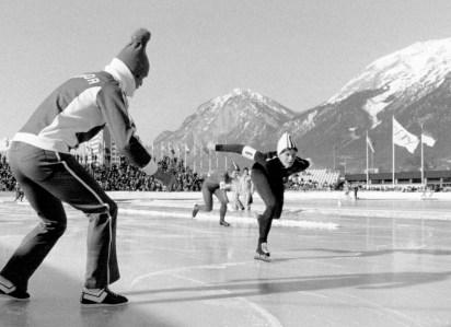 Kathleen Vogt en action sur une patinoire extérieure
