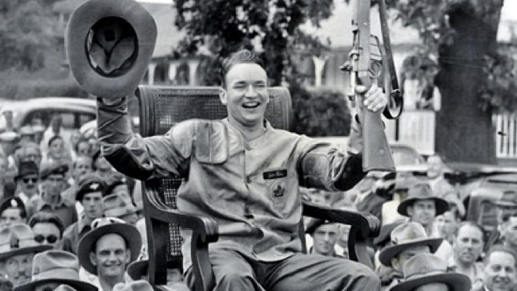 Gilmour Boa lors d'une parade de célébration