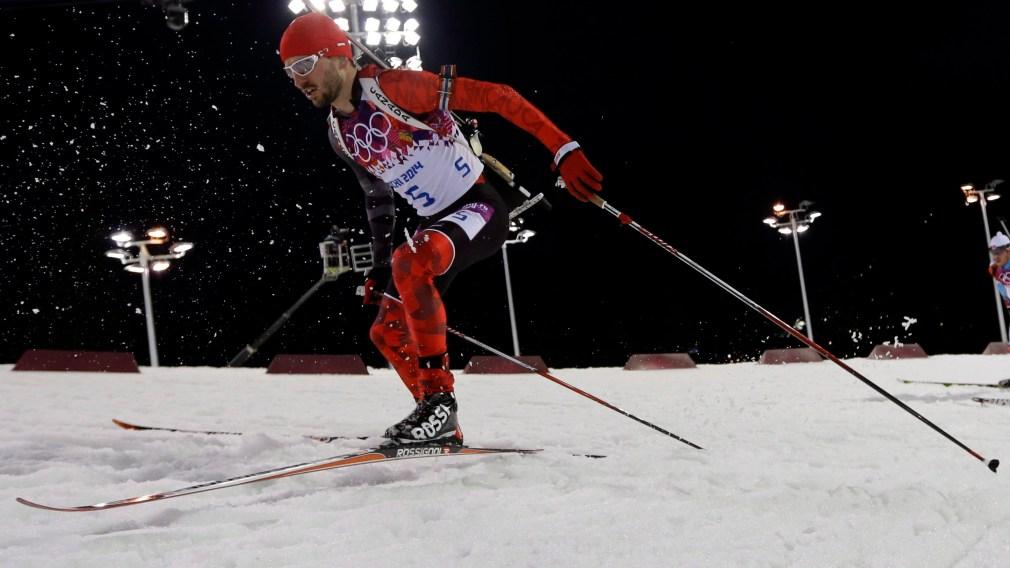 Jean-Philippe le Guellec skiant au biathlon masculin a Sochi