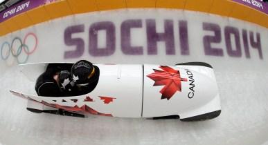 Equipe Canada - Kaillie Humphries et Heather Moyse pendant la compétition de bobsleigh à Sotchi.
