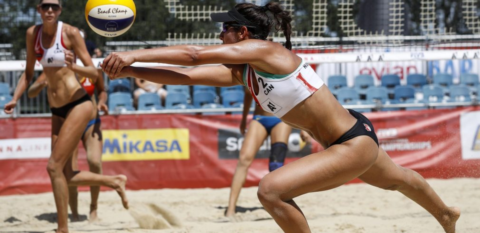 melissa-humana-paredes-equipe-canada-volleyball-plage