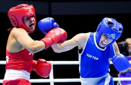 Mandy Bujold (en bleu) aux Jeux panaméricains de Toronto 2015.