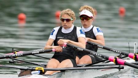 Patricia Obee (gauche) et Lindsay Jennerich en finale de la deuxième Coupe du monde de la saison à Lucerne, en Suisse le 29 mai 2016.