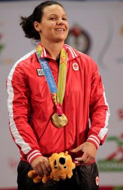 Christine Girard remporte la médaille d'or aux Jeux panaméricains de Guadalajara au Mexique, 2011. (AP Photo/Ariana Cubillos)