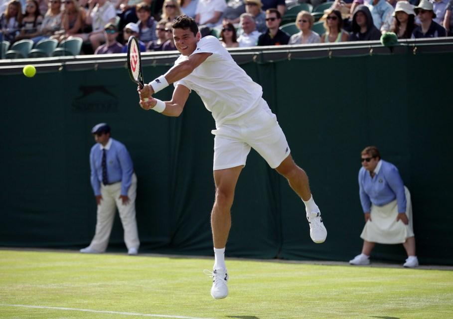 Milos Raonic lors de son match de deuxième tour de Wimbledon contre Andreas Seppi, le 29 juin 2016.