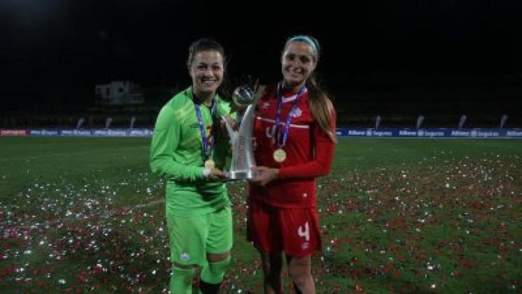 Sabrina D'Angelo (gauche), Shelina Zardosky (droite), gagnantes de la Coupe Algarve, le 9 mars 2016.