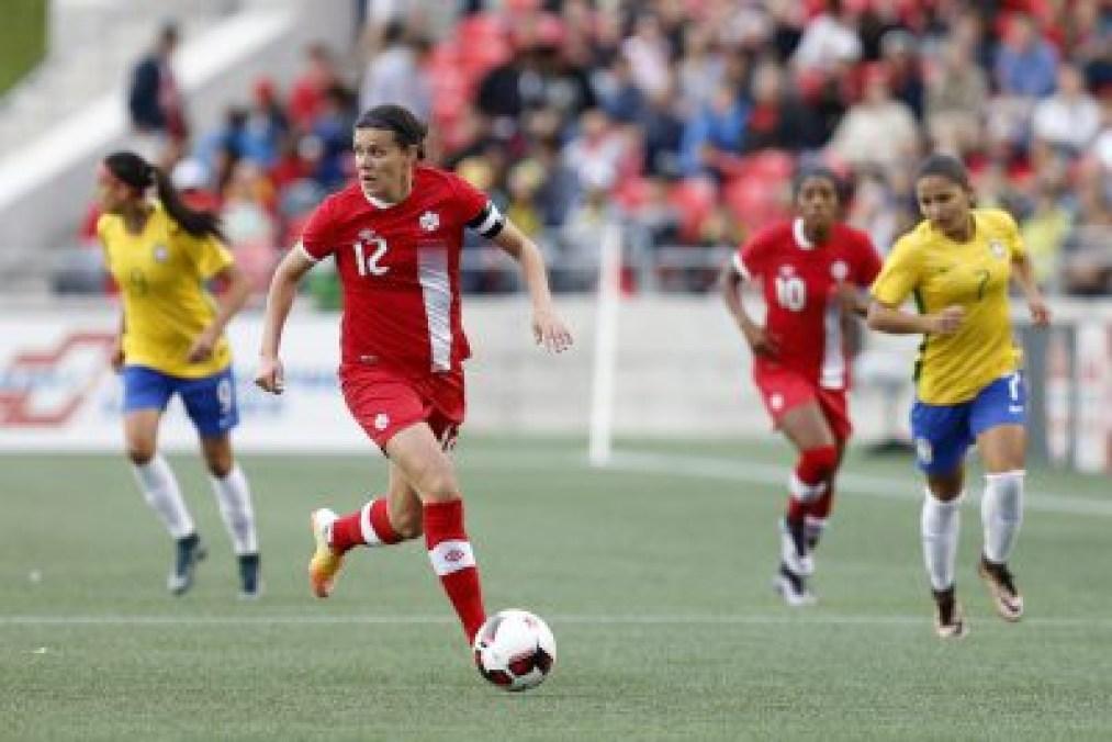 Christine Sinclair, Canada c. Brésil, le 7 juin 2016 à Ottawa.