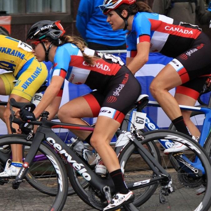 Karol-Ann Canuel (en avant-plan) aux Mondiaux de cyclisme sur route 2015. (Photo : Cyclisme Canada)
