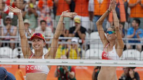 Heather Bansley et Sarah Pavan, Rio 2016. 7 août 2016. Photo du AP/Marcio Jose Sanchez