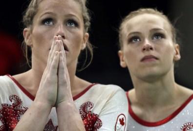 Brittany Rogers et Ellie Black, Rio 2016. 7 août 2016. Photo du AP/Julio Cortez