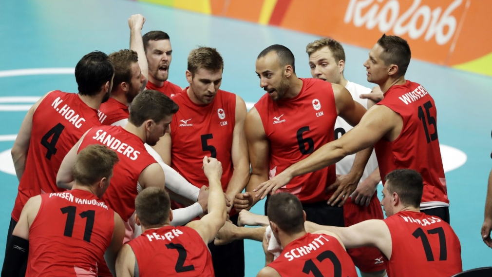 Le Canada en bonne position au tournoi de volleyball masculin