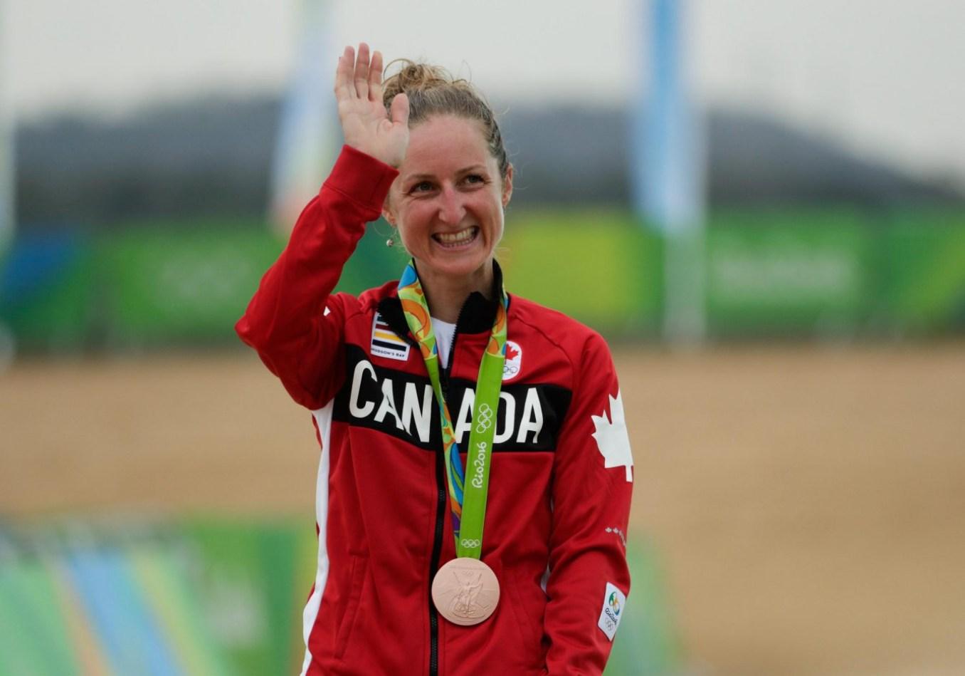 Une médaille de bronze bien méritée pour Catharine Pendrel (COC Photo/David Jackson).