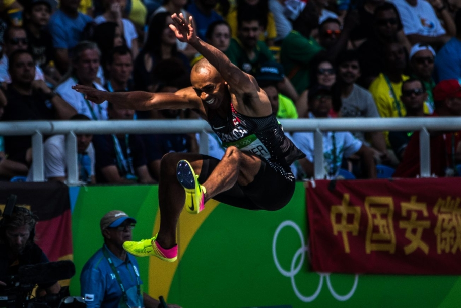 Damian Warner lors de l'épreuve du saut en longueur en décathlon aux Jeux olympiques de 2016, à Rio. Photo : COC