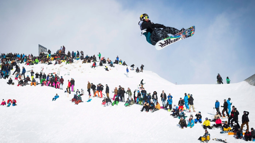 Equipe Canada-Tyler Nicholson of Canada competes during the slopestyle final, at the Laax Open Snowboard tournament