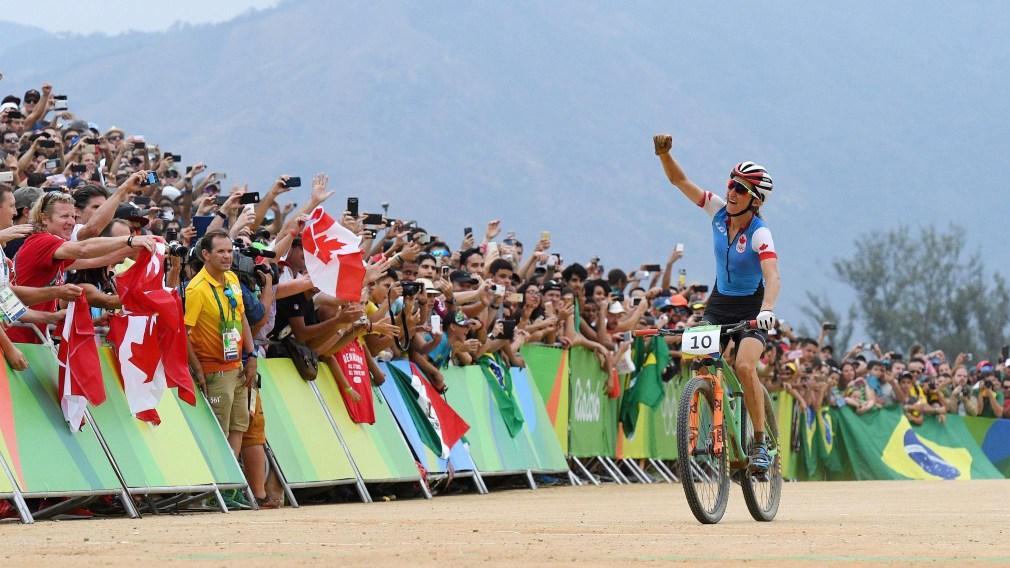 Les Canadiens en selle pour le coup de départ du circuit mondial de vélo de montagne