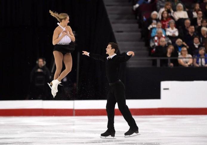 Camille Ruest et Andrew Wolfe lors des championnats nationaux de patinage artistique à Ottawa, le 20 janvier 2017. LA PRESSE CANADIENNE / Sean Kilpatrick