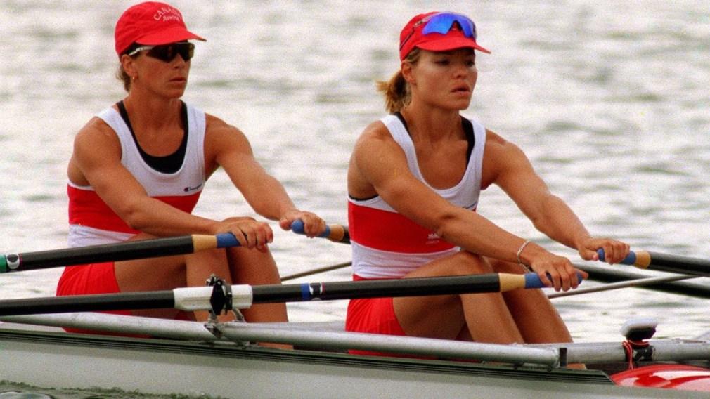 Aux Jeux d'Atlanta 96, Marnie McBean et Kathleen Heddle ont ramé jusqu'à leur troisième médailles d'or en deux compétitions olympiques.