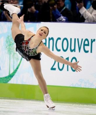 Joannie Rochette, lors de son programme court à Vancouver. (AP Photo/Mark Baker)