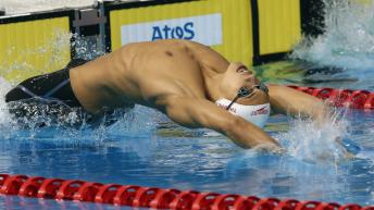 Markus Thormeyer prend le départ dans une épreuve de dos.