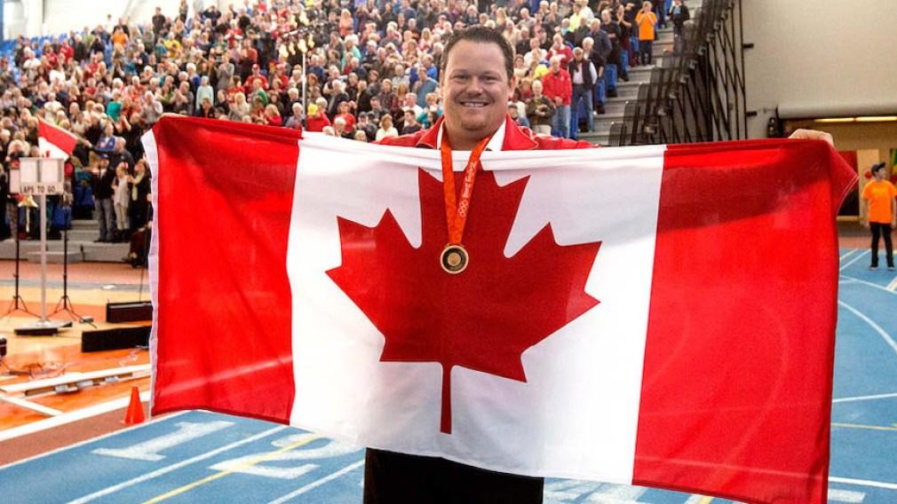 Dylan Armstrong reçoit la médaille de bronze de Beijing 2008