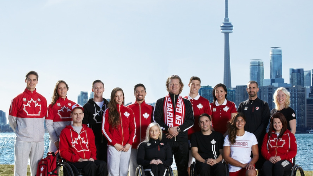 La Baie d'Hudson et ses partenaires, le COC et le CPC, dévoilent la collection officielle d'Équipe Canada pour les Jeux panaméricains et parapanaméricains de 2015 à Toronto