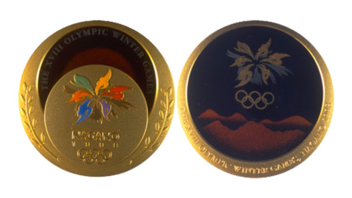 LEs médailles de Nagano 1998. (Photo : Olympic Artifacts)