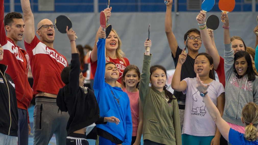 Des olympiens canadiens célèbrent la Journée olympique 2016 à Richmond