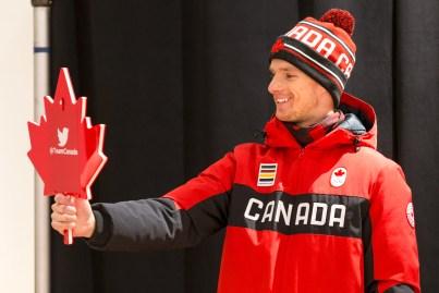 Max Parrot lors du dévoilement de la collection d'Équipe Canada pour PyeongChang 2018, à Toronto, le 3 octobre 2017. (Photo : COC)