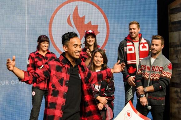 Gilmore Junio lors du dévoilement de la collection d'Équipe Canada pour PyeongChang 2018, à Toronto, le 3 octobre 2017. (Photo : COC)