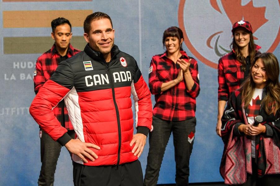 John Morris lors du dévoilement de la collection d'Équipe Canada pour PyeongChang 2018, à Toronto, le 3 octobre 2017. (Photo : COC)