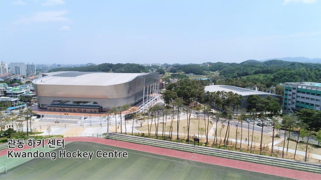 Aménagé tout juste à l'extérieur du Parc olympique de Gangneung, le site pourra accueillir 6 000 spectateurs principalement pour les matchs de hockey sur glace féminin. (Pyeongchang2018/Facebook)
