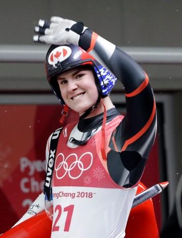 Brooke Voigt après sa dernière descente à l'épreuve simple de luge, aux Jeux olympiques de PyeongChang, le 13 février 2018. (AP Photo/Wong Maye-E)