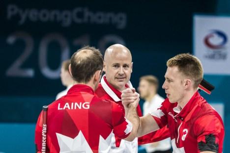 L'équipe de Kevin Koe lors du tournoi de qualifications aux Jeux olympiques de PyeongChang, le 14 février 2018. (Photo COC/Stephen Hosier)