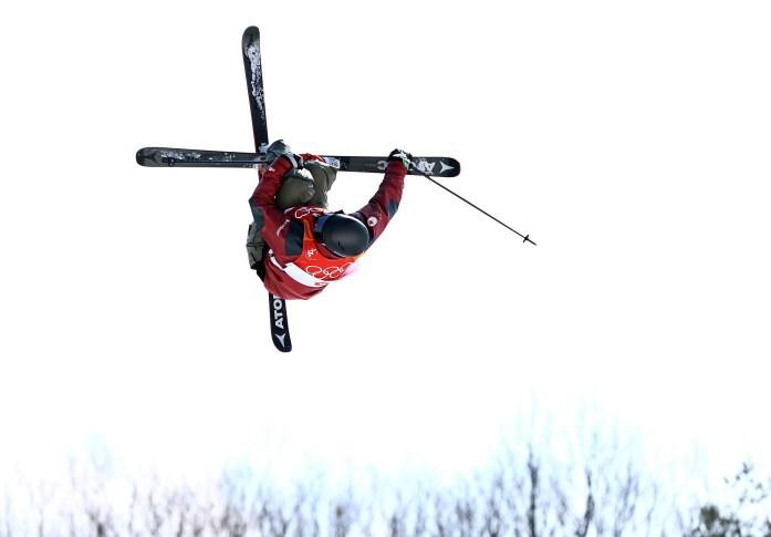 Mike Riddle lors de la finale de ski demi-lune, le 22 février 2018. Photo COC/Vaughn Ridley