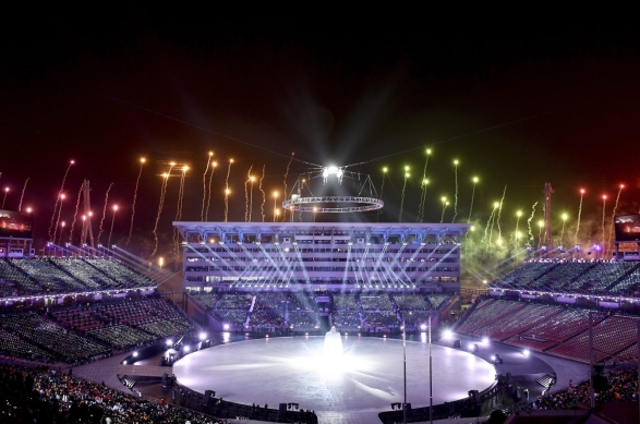 Des feux d'artifice ont lancé officiellement la cérémonie d'ouverture aux Jeux olympiques de PyeongChang 2018, le 9 février 2018. (Franck Fife/Pool Photo via AP)
