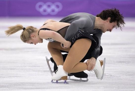Julianne Séguin et Charlie Bilodeau lors du programme court chez les couples aux Jeux olympiques de PyeongChang 2018.(COC/Jason Ransom)
