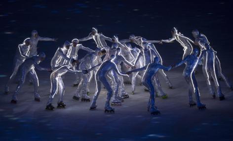 Acteurs performant pendant la cérémonie d'ouverture des Jeux d'hiver de Sotchi 2014, en Russie. Vendredi 7 février 2014. LA PRESSE CANADIENNE: Paul Chiasson