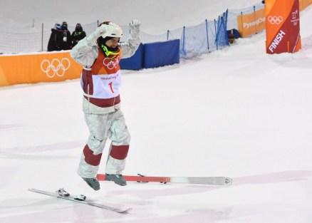 Kingsbury célèbre sa victoire olympique à PyeongChang 2018 (Photo par Vaughn Ridley/COC)