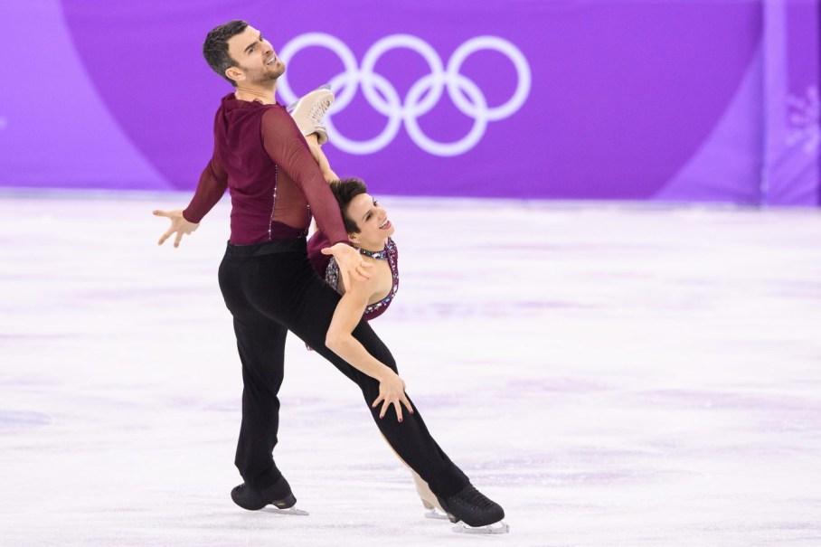 Meagan Duhamel et Eric Radford lors du programme libre chez les couples de l'épreuve par équipes aux Palais des glaces de Gangneung, le 11 février 2018. (Photo: Vincent /COC)