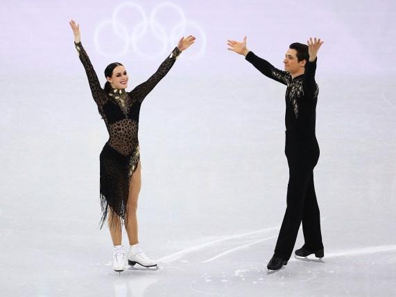 Tessa Virtue et Scott Moir ont battu leur record du monde, lors du Jour 10. COC Photo par Vaughn Ridley