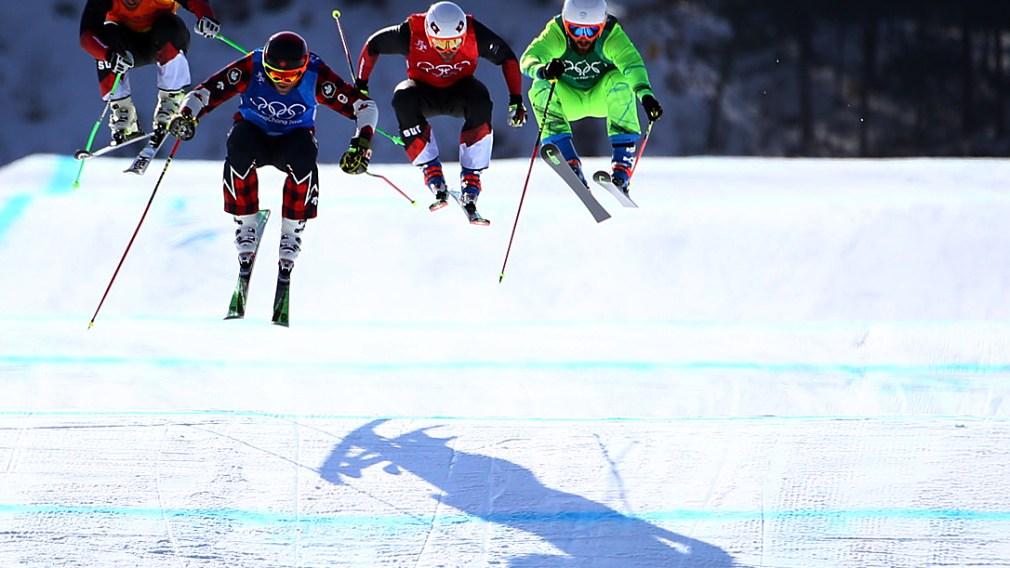 Dans les bottes des athlètes de ski cross à l'entrainement