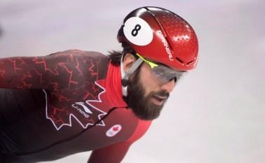 Charles Hamelin est sacré champion du monde en patinage de vitesse sur courte piste. LA PRESSE CANADIENNE/Paul Chiasson