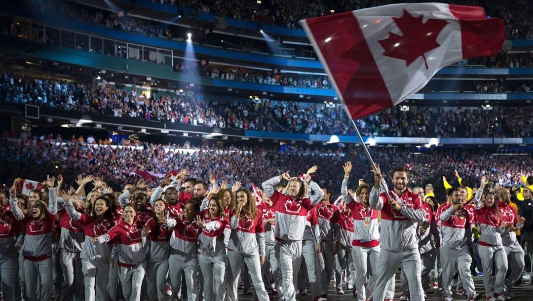 equipe canada-ceremonie-ouverture-mark-oldershaw-jeux-panamericain-toronto-2015