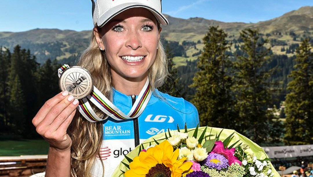 Equipe Canada- velo de montagne - Emily Batty