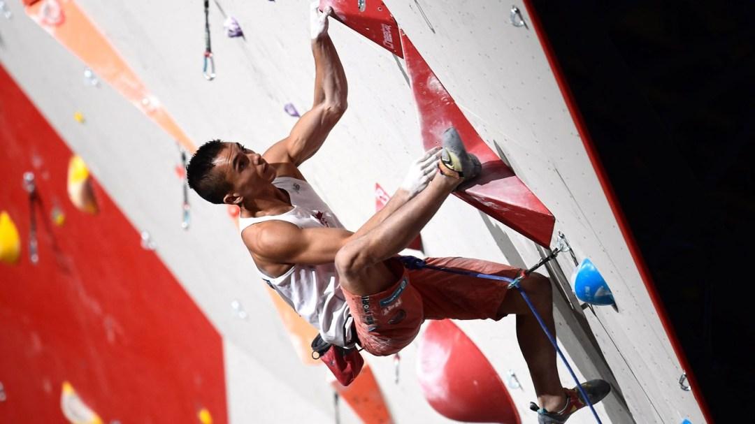 Sean McColl en train de grimper