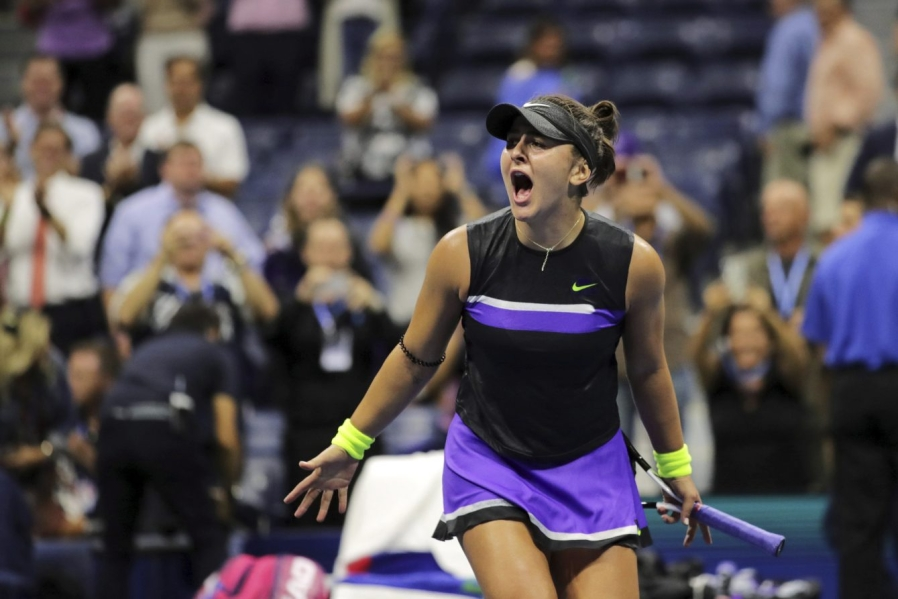 Bianca Andreescu dispute un match de tennis aux Internationaux des États-Unis