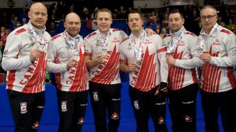 equipe-canada-jennifer-jones-curling-coupe-monde