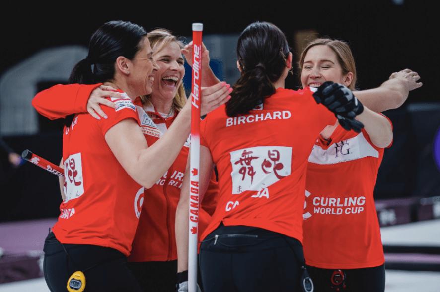 L'équipe féminine de curling. Photo : Céline Stucki