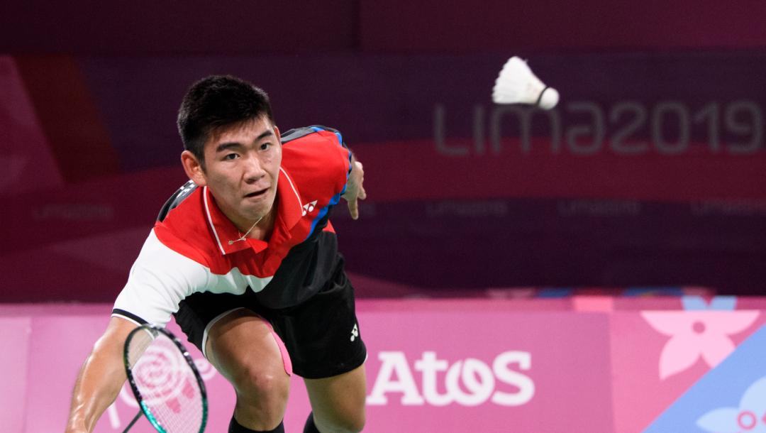 Un joueur de badminton en action
